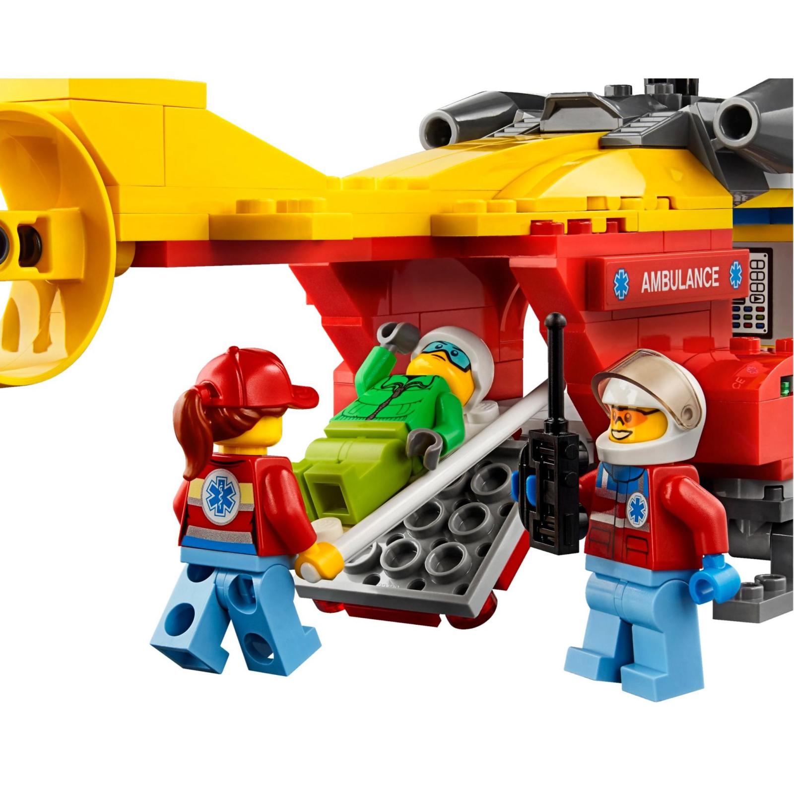 Конструктор LEGO City Вертолет скорой помощи (60179) изображение 4