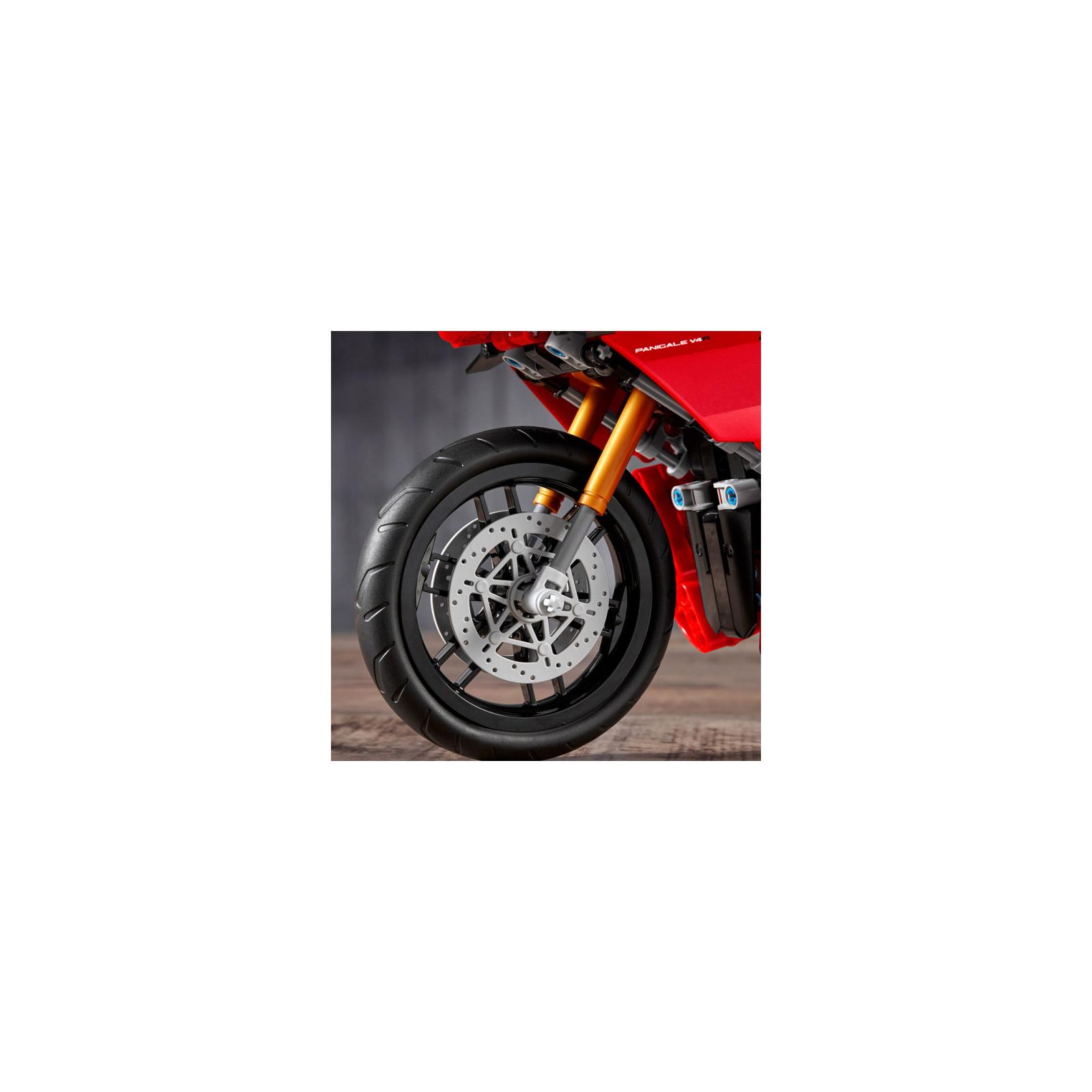Конструктор LEGO Technic Ducati Panigale V4 R 0 646 детали (42107) изображение 8