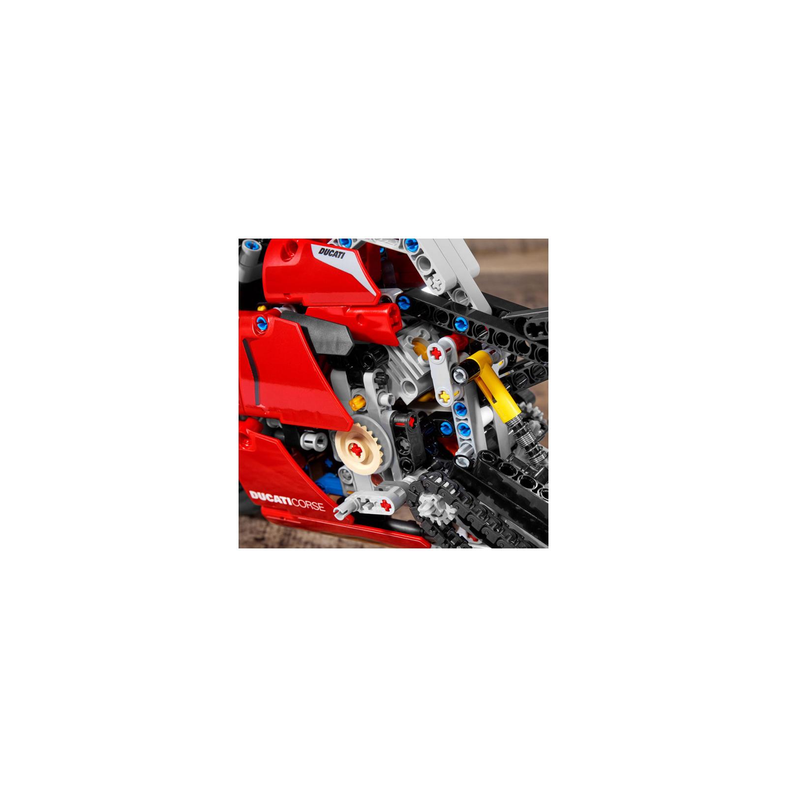 Конструктор LEGO Technic Ducati Panigale V4 R 0 646 детали (42107) изображение 9