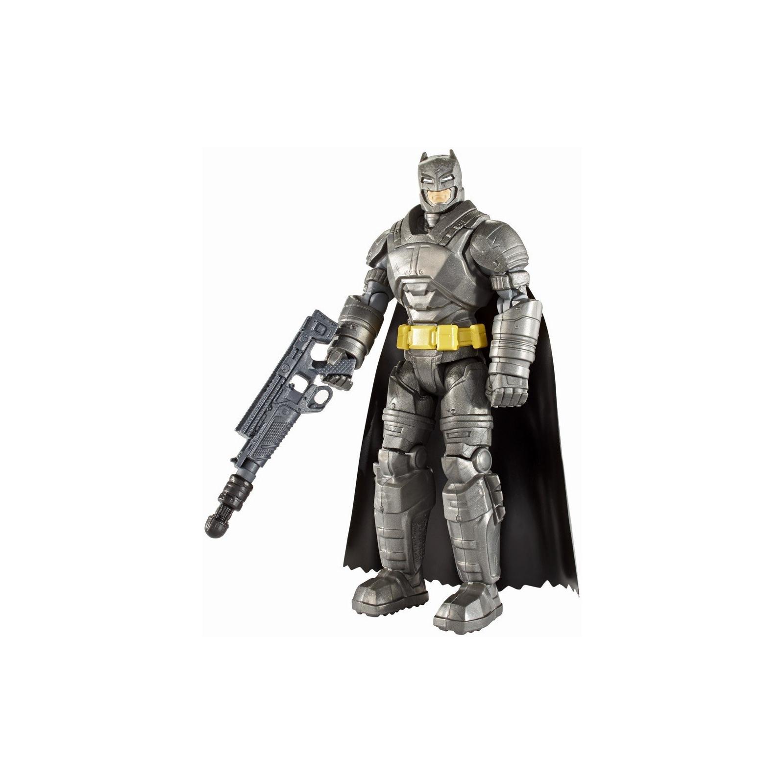 Фигурка Mattel Batman вооруженный 15 см Бэтмен против Супермена (DJG32) изображение 3