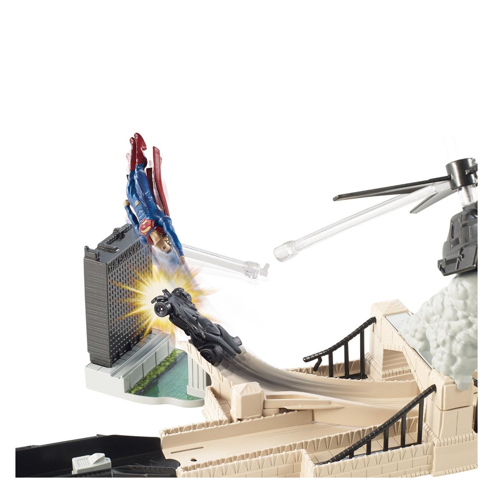 Автотрек HOT WHEELS Битва героев Бэтмен против Супермена (DJH61) изображение 3