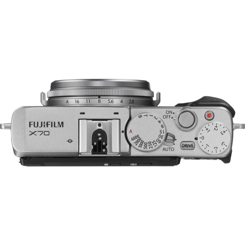 Цифровой фотоаппарат Fujifilm FinePix X70 Silver (16499124) изображение 4