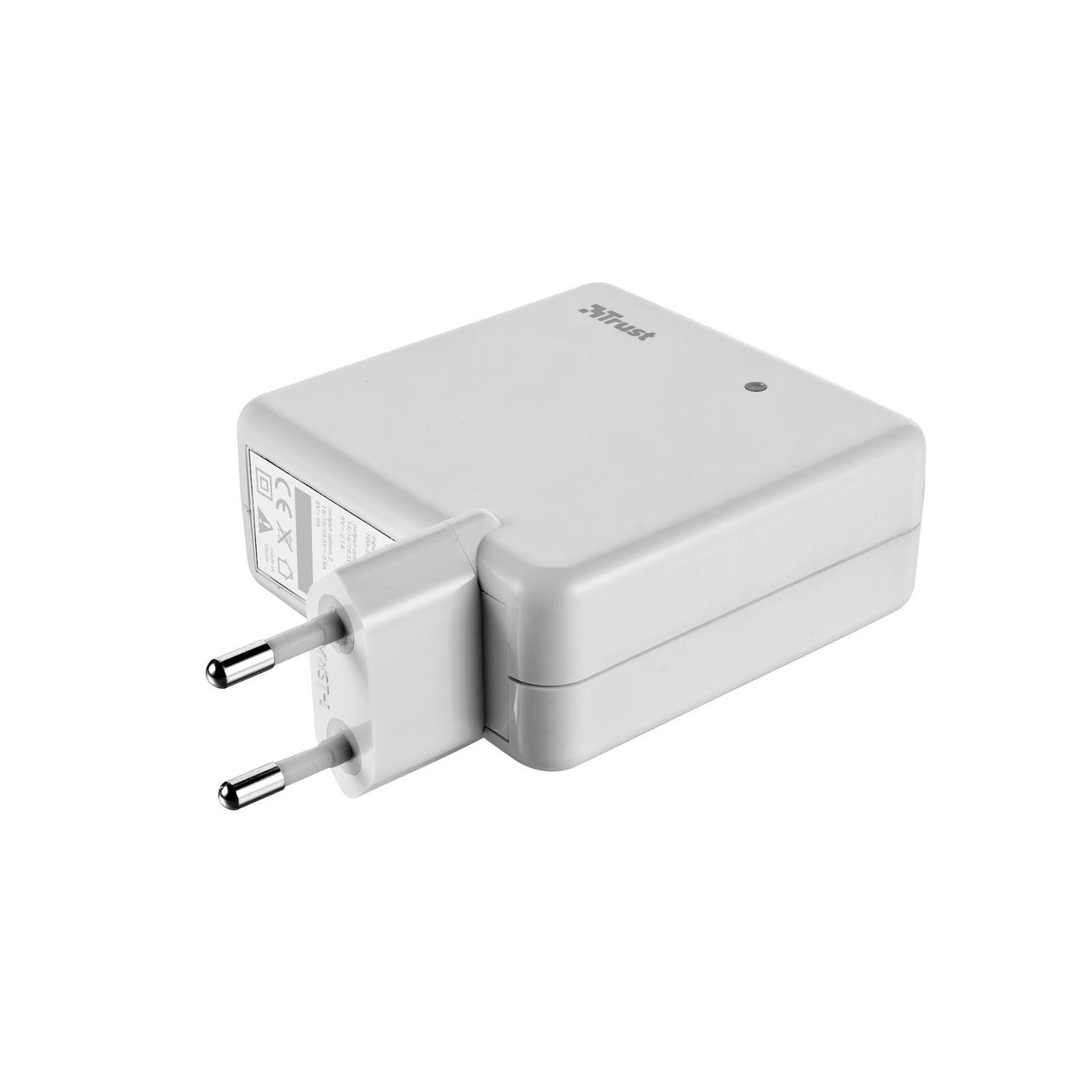 Блок питания к ноутбуку Trust Plug-in 70W Laptop, phone & iPad charger (18821) изображение 2