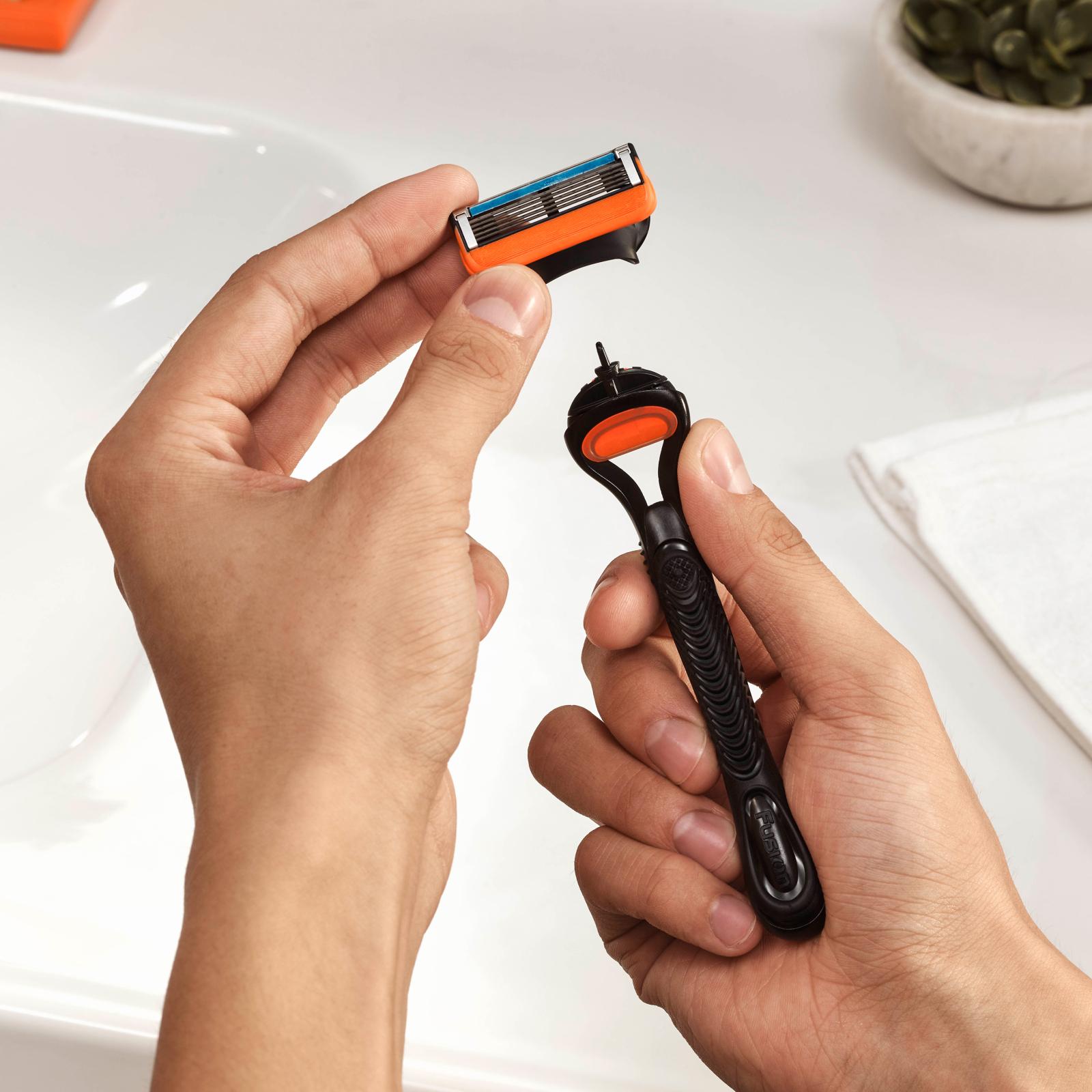 Бритва Gillette Fusion с 2 сменными картриджами (7702018874125) изображение 3