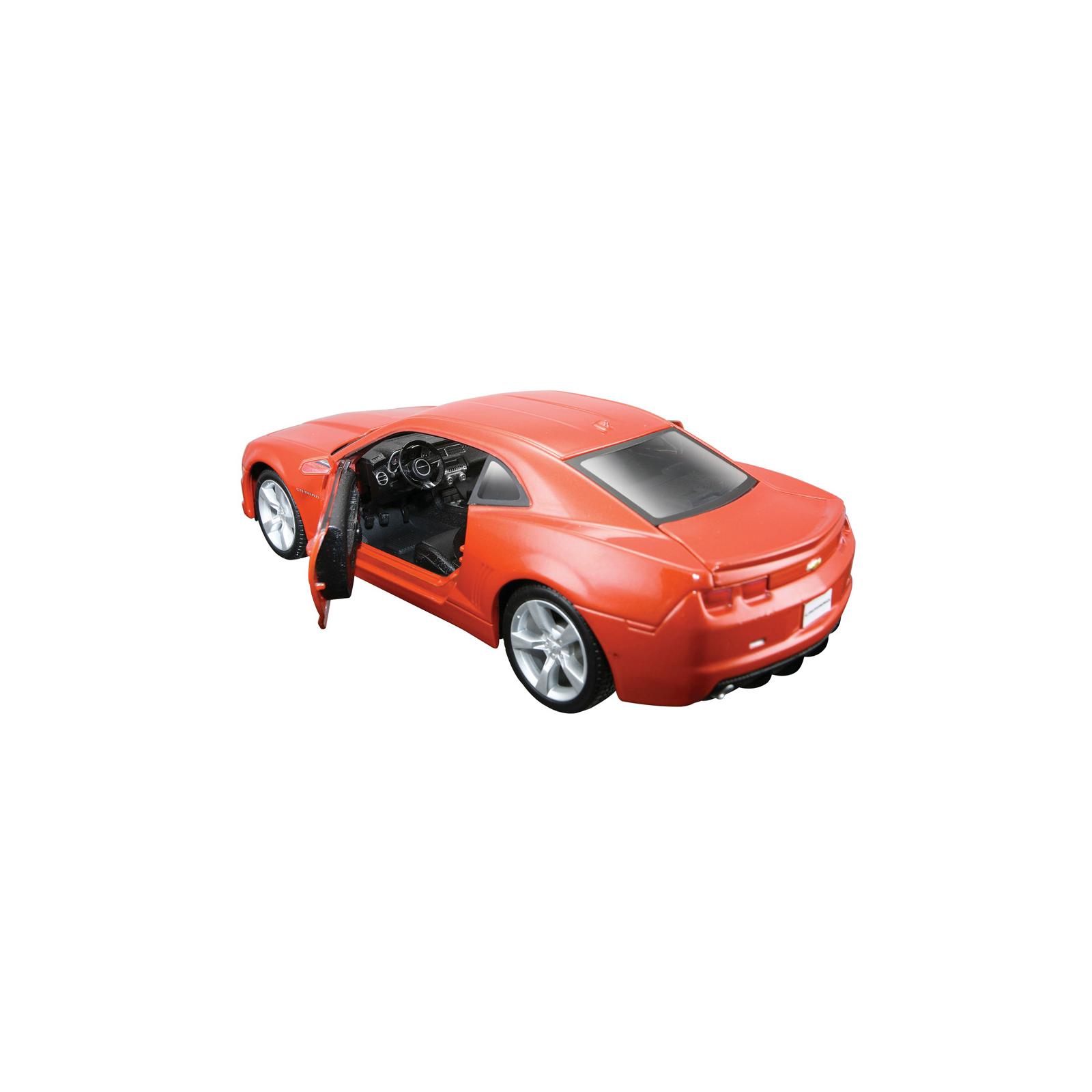 Машина Maisto Chevrolet Camaro SS RS 2010 (1:24) оранжевый металлик (31207 met. orange) изображение 4