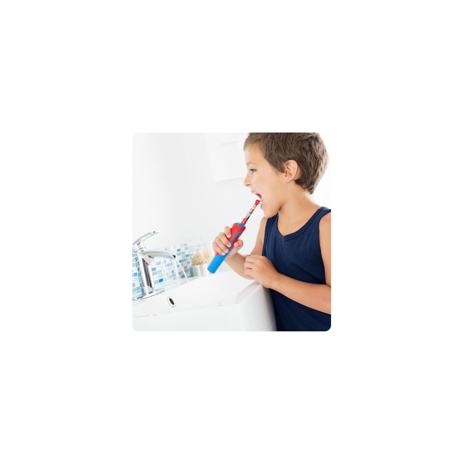 Электрическая зубная щетка Oral-B Cars (D12.513K) изображение 4